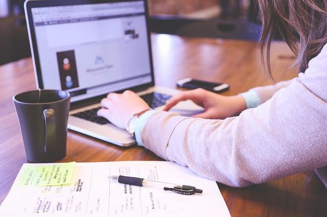 איך עיצוב נכון של אתר תדמית יכול לקחת את העסק שלך קדימה
